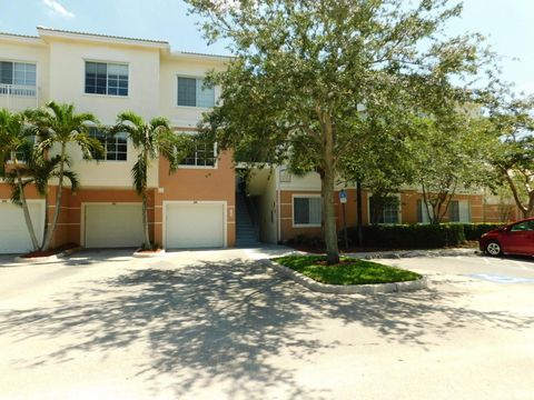 Elegant 7307 Myrtlewood Cir W, Palm Beach Gardens, FL 33418