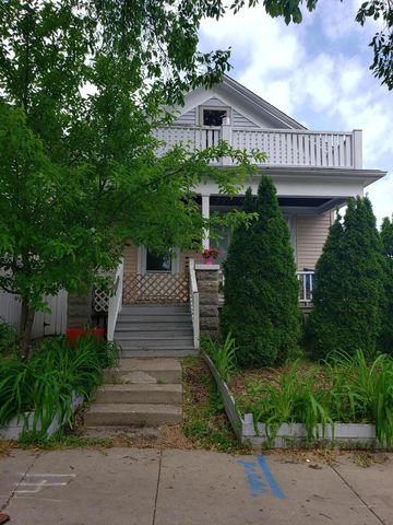 Photo of 2415 S Howell Ave, Milwaukee, WI 53207