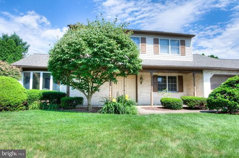 Photo of 1834 N Eden Rd, Lancaster, PA 17601