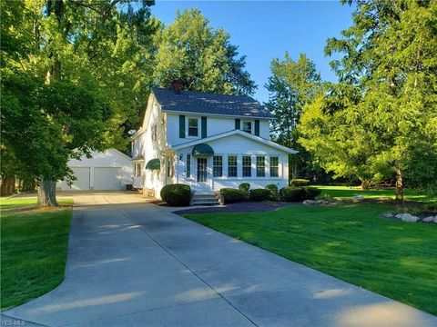 Photo of 32530 Lake Rd, Avon Lake, OH 44012
