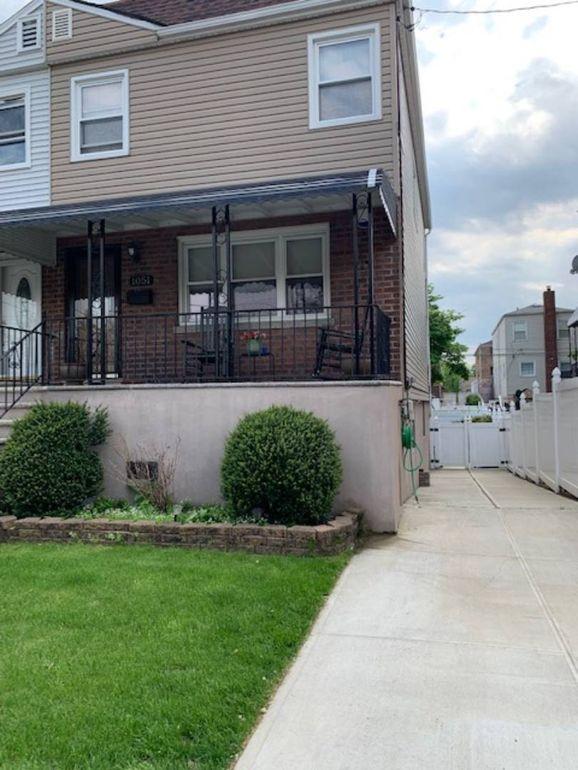 1051 Brinsmade Ave, Bronx, NY 10465