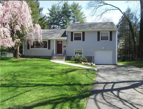 Photo of 3 Brentwood Dr, Bloomfield, CT 06002