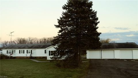 16245 Newcomb Rd, Middlefield, OH 44062