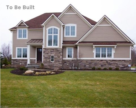 Photo of 2283 Rivers Edge Dr, Willoughby Hills, OH 44094