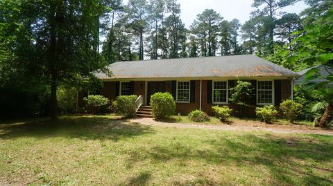 Photo of 450 Hill Rd, Southern Pines, NC 28387