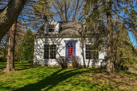 Photo of 4629 N 105th St, Wauwatosa, WI 53225