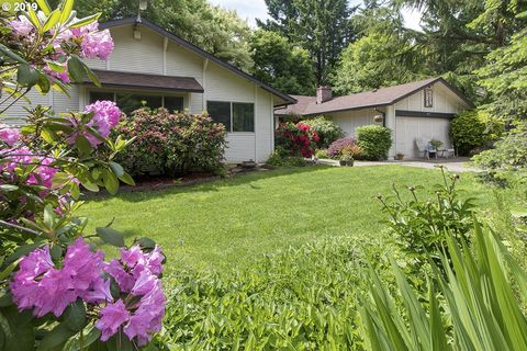 Photo of 19111 Indian Springs Rd, Lake Oswego, OR 97035