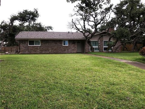 Photo of 1401 Dana Dr, Rockport, TX 78382