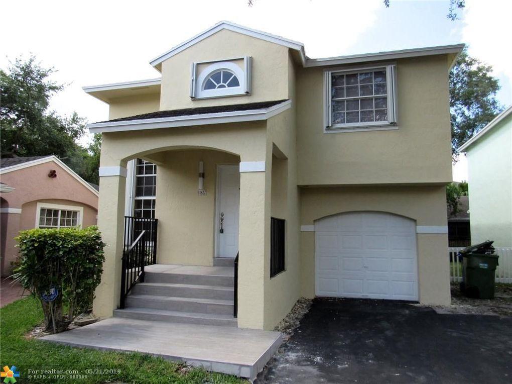 11822 Nw 13th St, Pembroke Pines, FL 33026