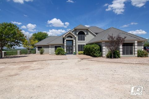 Photo of 11506 Twin Lakes Ln, San Angelo, TX 76904