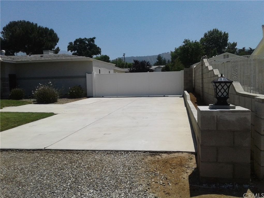 919 Fremont St Calimesa, CA 92320
