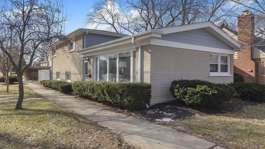 8720 Lockwood Ave, Skokie, IL 60077