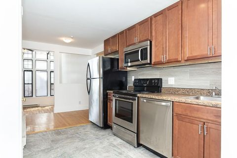 Photo of 16 Merrimack St Apt 3 C, Lowell, MA 01852