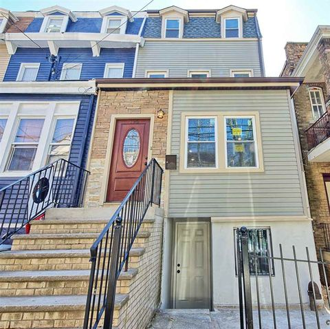 Photo of 195 Grant Ave, Jersey City, NJ 07305