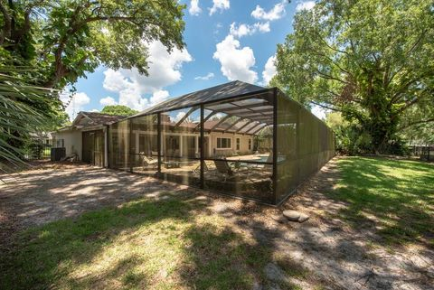 Photo of 13307 Meadowwood Ct, Tampa, FL 33618