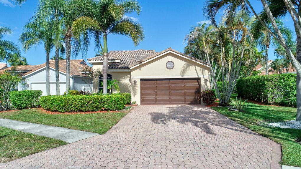 17042 Newport Club Dr, Boca Raton, FL 33496
