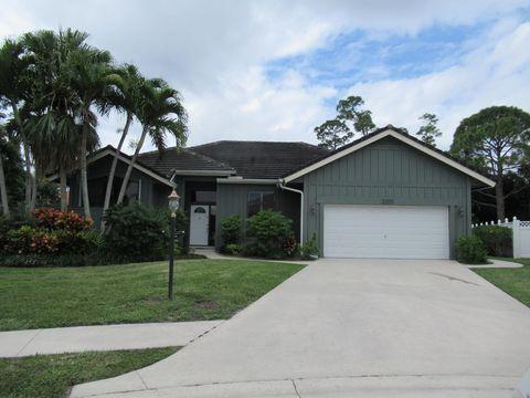 Photo of 5590 Cypress Tree Ct, Palm Beach Gardens, FL 33418