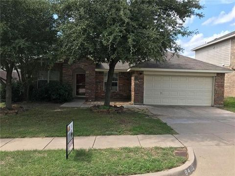 Photo of 8405 Tribute Ln, Fort Worth, TX 76131