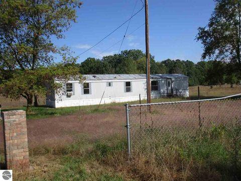 5856 W School Rd, Mount Pleasant, MI 48858