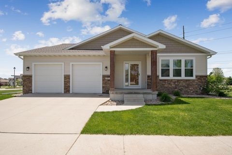 Photo of 2855 Piccadilly Sq, Ames, IA 50010