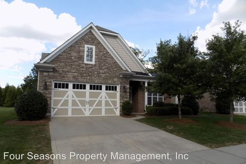 Photo of 10739 Round Rock Rd, Charlotte, NC 28277