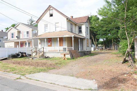 80 Horace Ave, Roosevelt, NY 11575