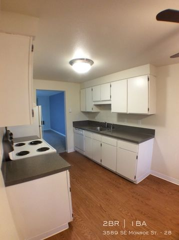 Photo of 3589 Se Monroe St Apt 28, Milwaukie, OR 97222