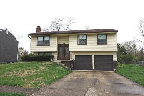 Photo of 550 Oakridge Way, Greenwood, IN 46142