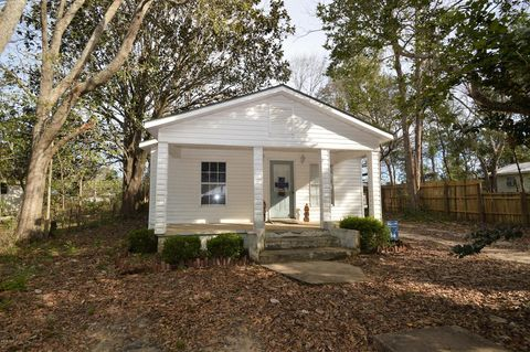 Photo of 405 W Indiana Ave, Bonifay, FL 32425