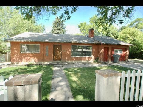 Photo of 230 S 100 W, Pleasant Grove, UT 84062