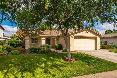 Photo of 10926 Wethersfield Dr, Mather, CA 95655