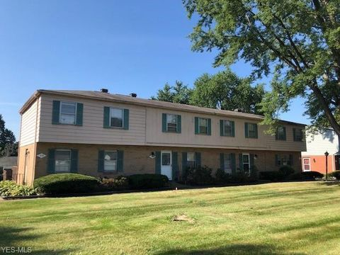 Photo of 375 Mathews Rd, Youngstown, OH 44512