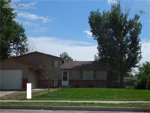 2112 Calle Fontana, Fountain, CO 80817