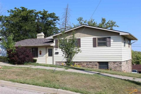 Photo of 224 Oakland St, Rapid City, SD 57701