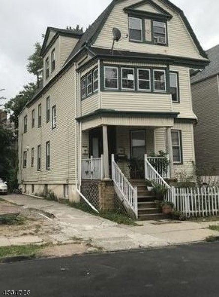 196 Amherst St, East Orange, NJ 07018