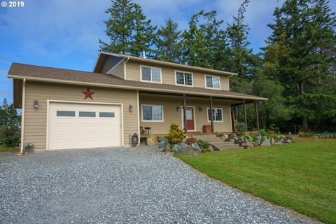 Photo of 87951 Blazer Ln, Bandon, OR 97411
