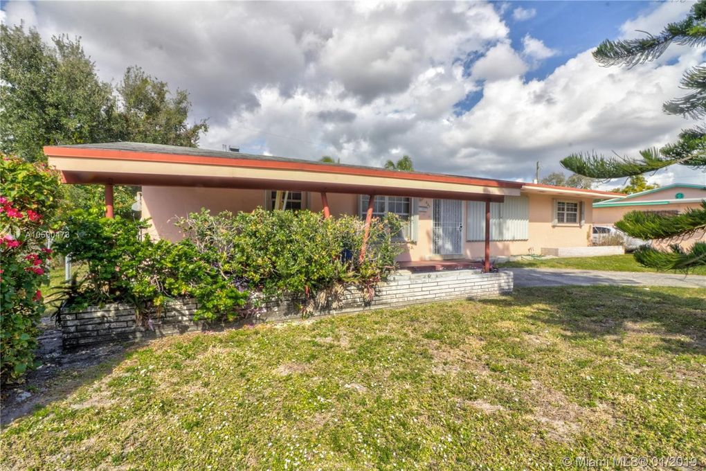 831 Nw 167th Ter, Miami Gardens, FL 33169