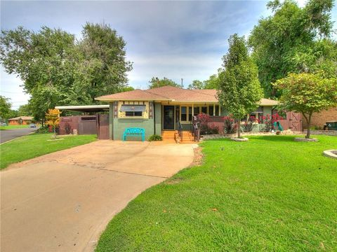 1825 Andover Ct, The Village, OK 73120