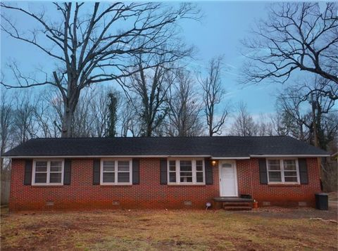 Photo of 3011 Sunset Forest Rd, Anderson, SC 29626