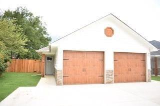 Photo of 616 E College St, Sherman, TX 75090