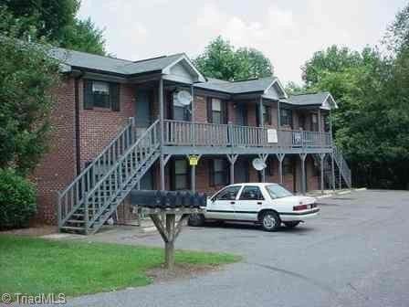 Photo of 2401 Markwood Ln, Winston Salem, NC 27107