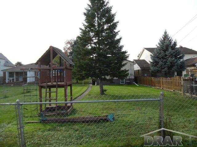 1236 sycamore st wyandotte mi 48192 home for sale