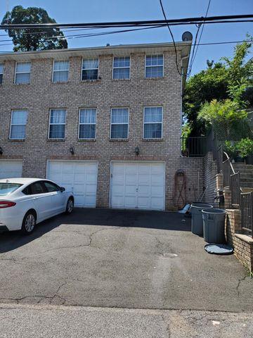 Photo of 162 Wright St Unit B, Staten Island, NY 10304