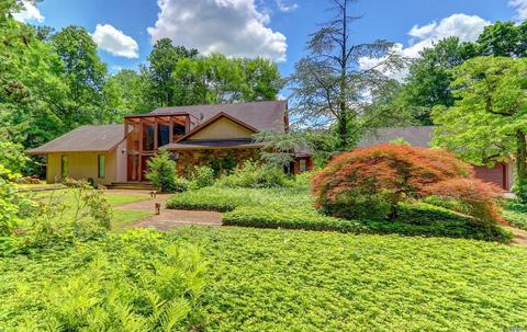 32 Winding Ln, Upper Brookville, NY 11545