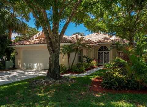 254 E Tall Oaks Cir, Palm Beach Gardens, FL 33410. House For Sale