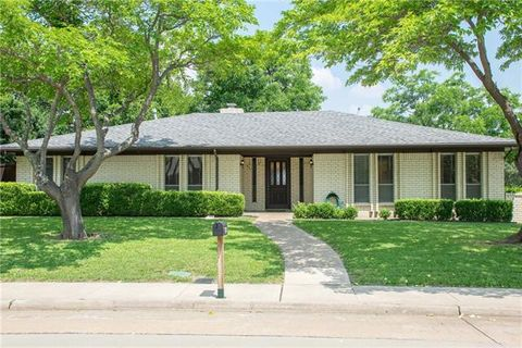Photo of 601 Glenhill Ln, Lewisville, TX 75077