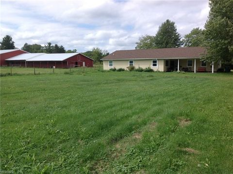 Photo of 18624 Geauga Lake Rd, Chagrin Falls, OH 44023