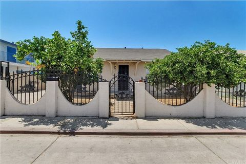 Photo of 1067 N Norman Ct, Long Beach, CA 90813