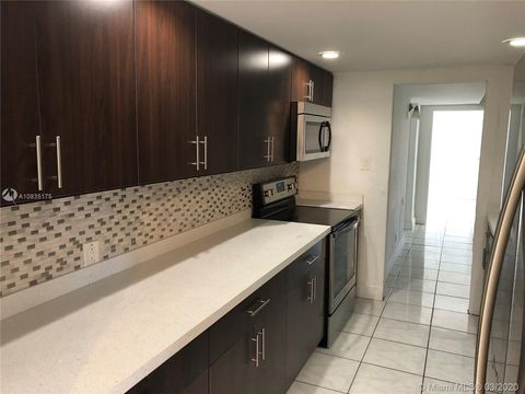 Photo of 1679 Ne 179th St, North Miami Beach, FL 33162