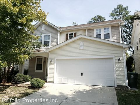 Photo of 526 Emerald Downs Rd, Cary, NC 27519